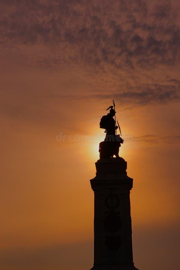 Lever de soleil au-dessus de Britannia sur la houe de Plymouth image stock
