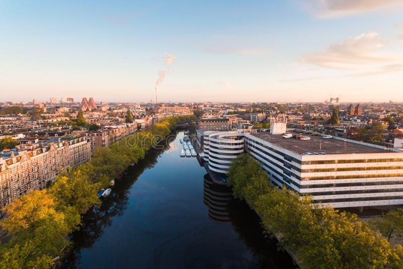 Lever de soleil au-dessus d'Amsterdam photos stock