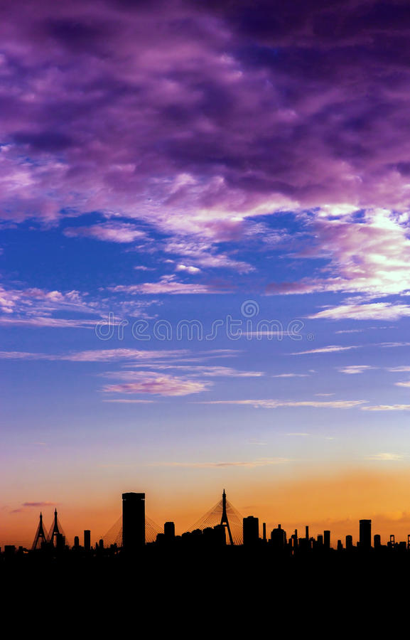 Lever de soleil au-dessus de Bangkok images libres de droits