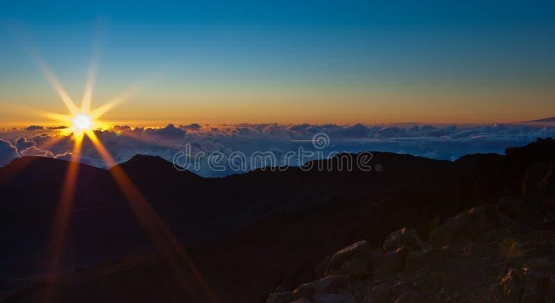 Lever de soleil au-dessus de Haleakala photo stock