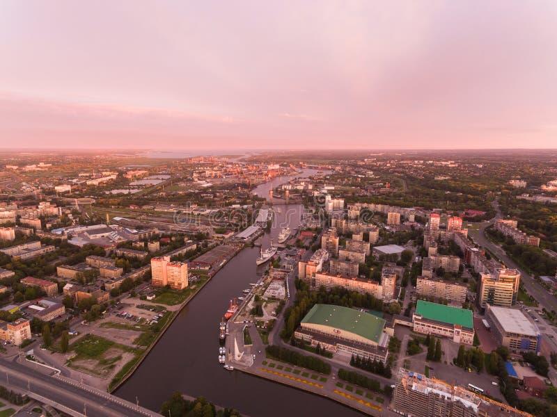 Lever de soleil au-dessus de Kaliningrad image libre de droits