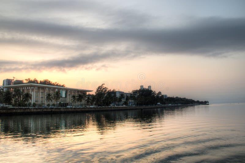 Lever de soleil au-dessus de l'horizon de Maputo photographie stock libre de droits