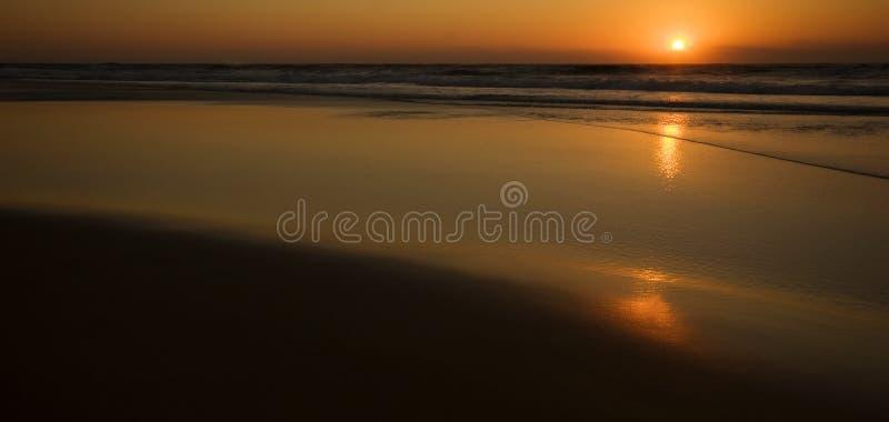 Lever De Soleil Au-dessus De L Océan Photos libres de droits