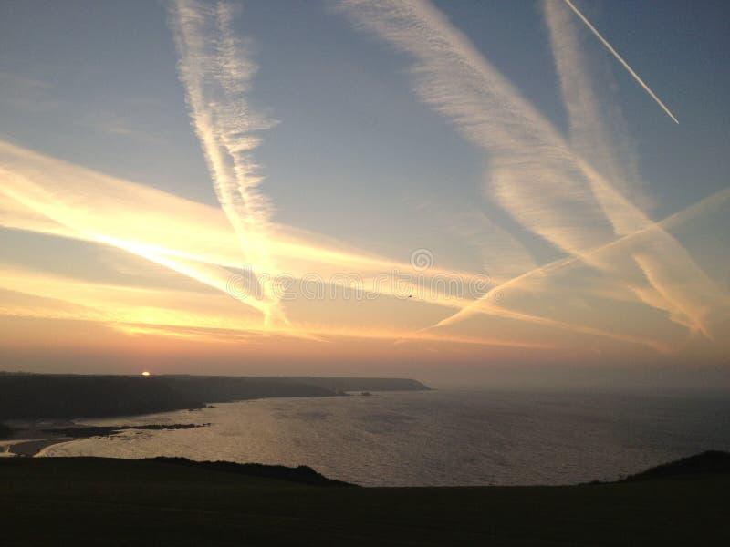 Lever de soleil au-dessus des Cornouailles image libre de droits
