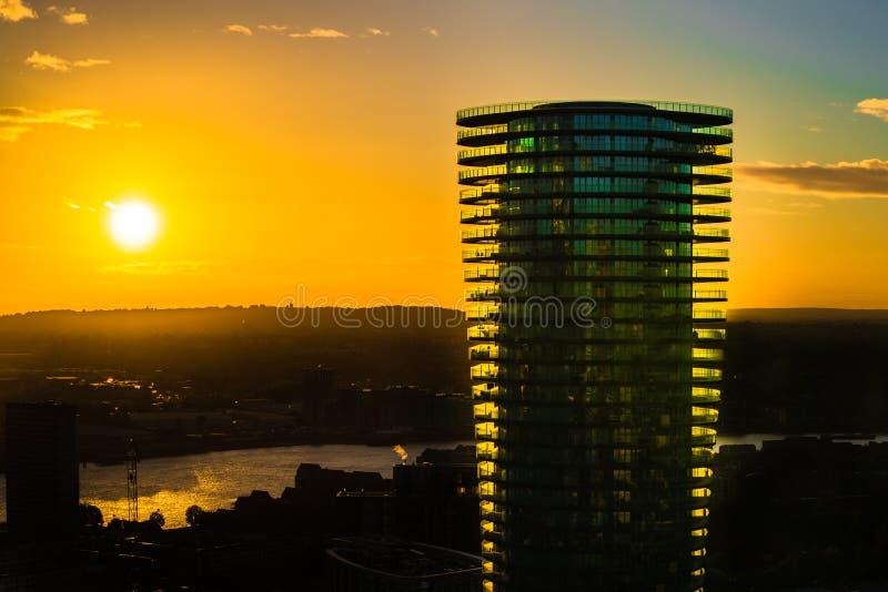 Lever de soleil au-dessus de la ville de Londres images libres de droits