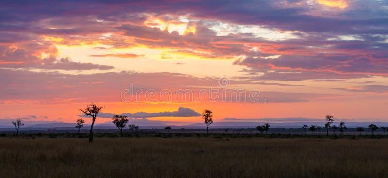 Lever de soleil au-dessus de Mara photos stock