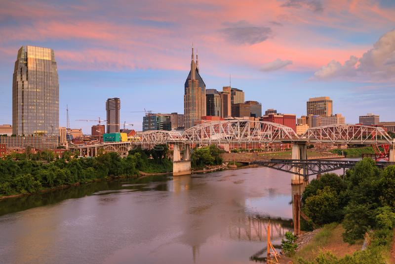 Lever de soleil au-dessus de Nashville Tennessee Skyline images libres de droits