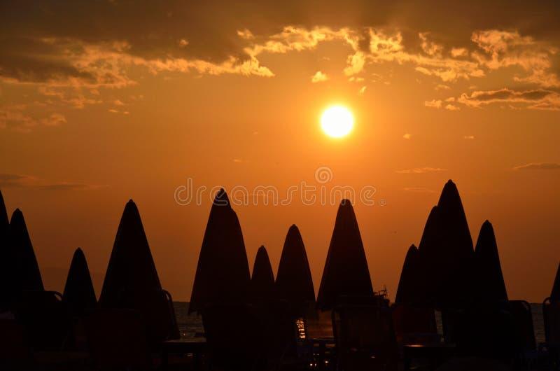 Lever de soleil au-dessus de plage de Poseidon image libre de droits