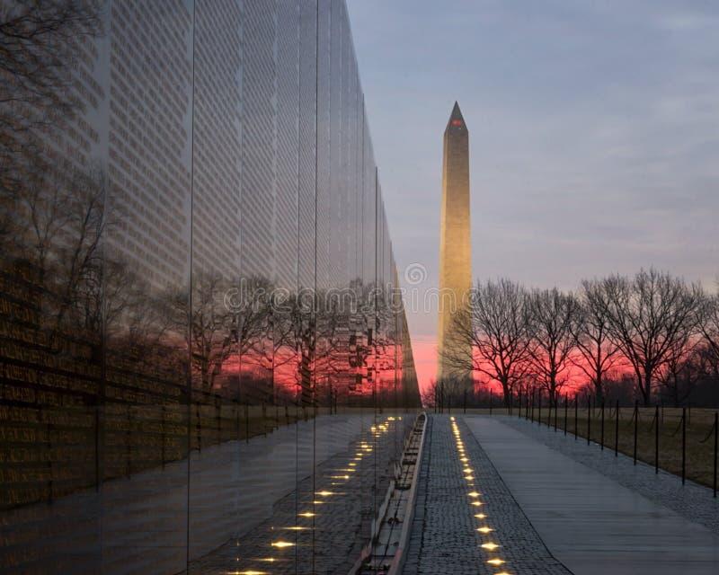 Lever de soleil au mémorial images libres de droits