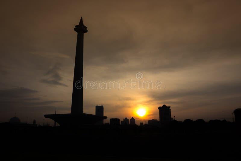 Lever de soleil au monument national, Jakarta photo stock