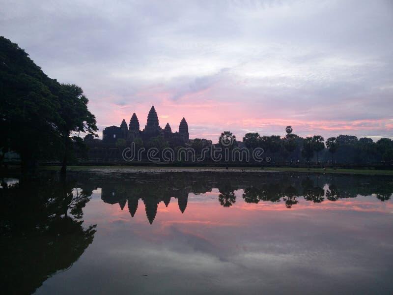 Lever de soleil chez Angkor Vat photographie stock