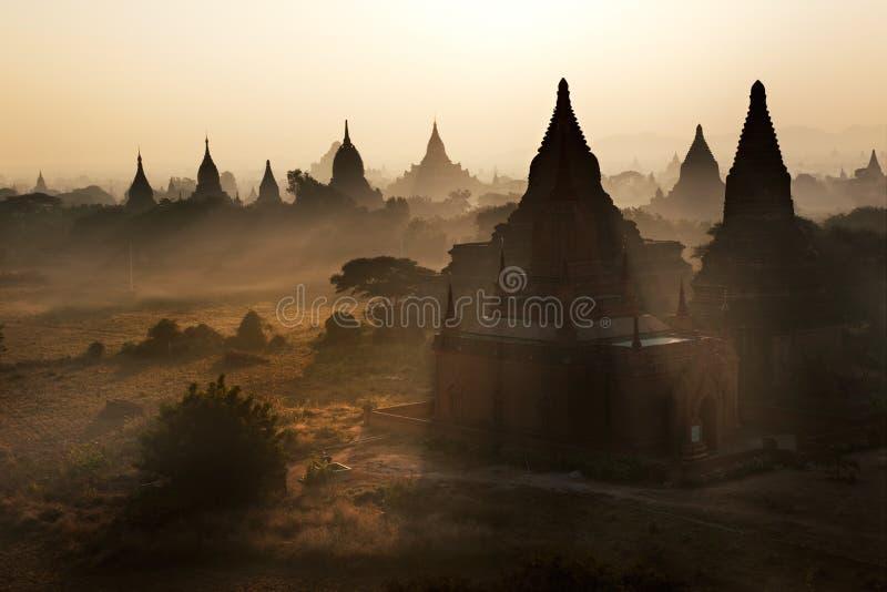 Lever de soleil chez Bagan, Myanmar photos stock