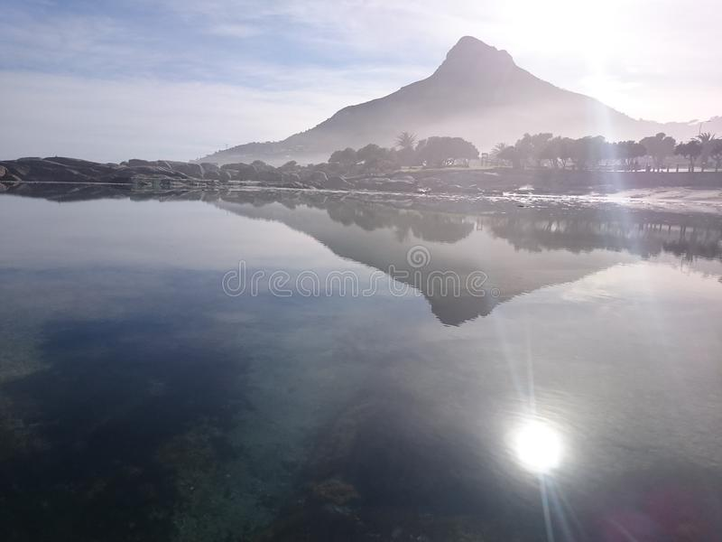 Lever de soleil croquant de lionshead photographie stock libre de droits