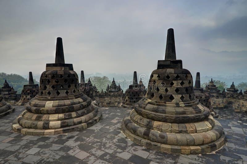 Lever de soleil de début de la matinée vu du temple Indonésie de Borobudur photographie stock libre de droits