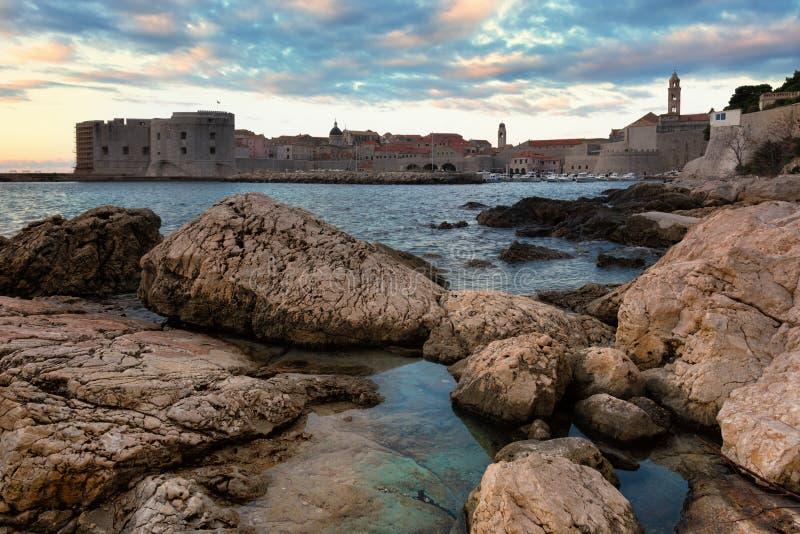 Lever de soleil dans Dubrovnik image libre de droits