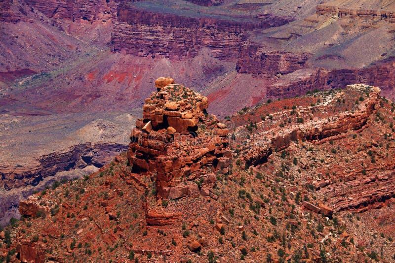 Lever de soleil dans l'endroit tribal de majesté de Navajo de MESA de chasses près de la vallée de monument, Arizona, Etats-Unis image stock