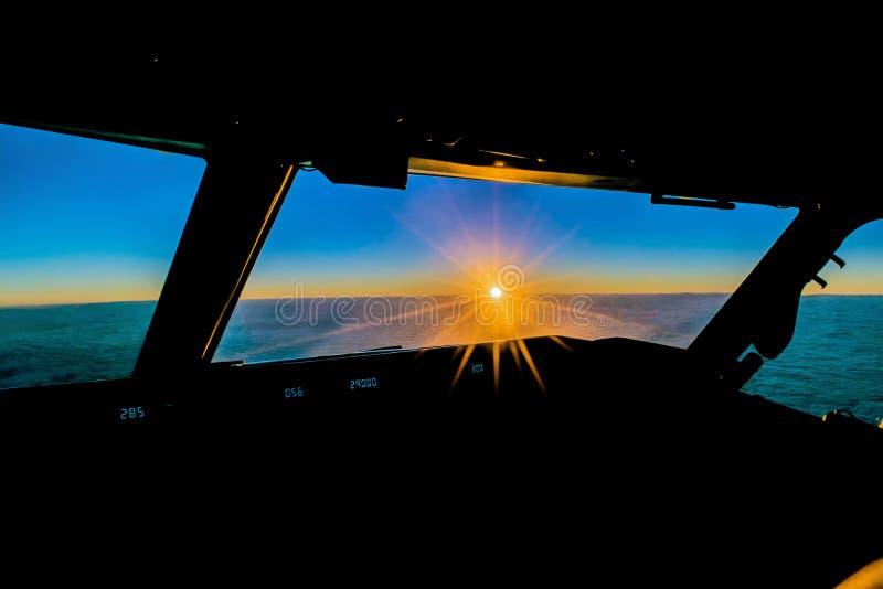 Lever de soleil dans la croisière photos stock