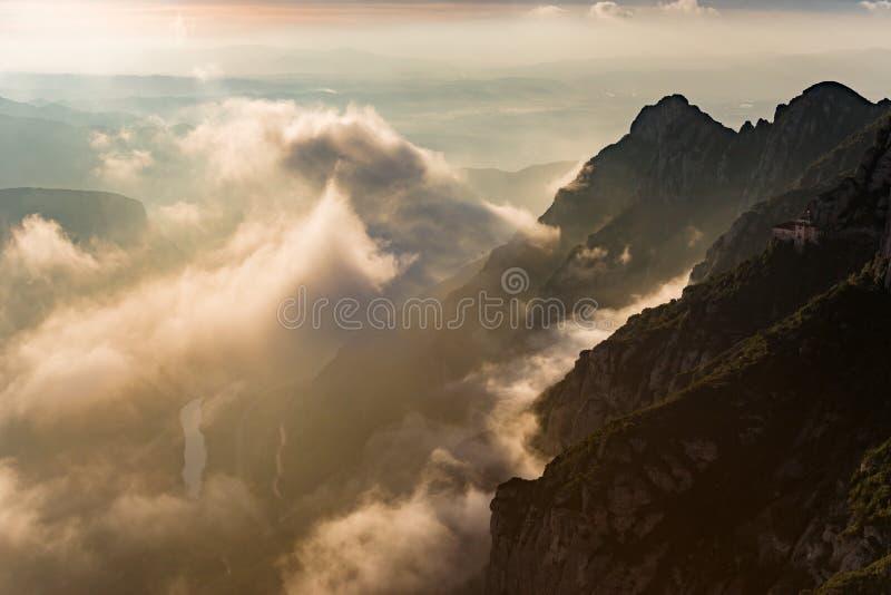 Lever de soleil dans Montserrat, Barcelone - Espagne photographie stock