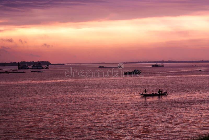 Lever de soleil dans Phnom Penh photographie stock libre de droits