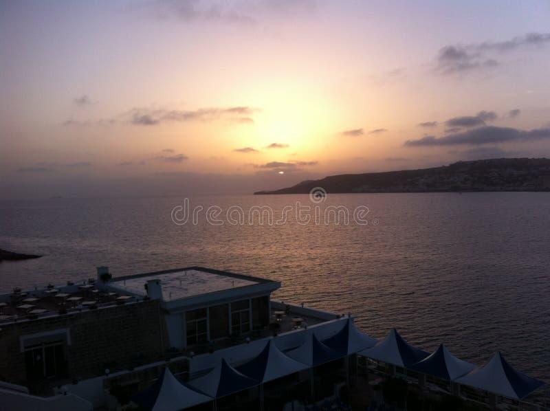 Lever de soleil de baie de Melleiha photo stock