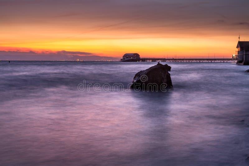 Lever de soleil de baie de Swansea photo stock