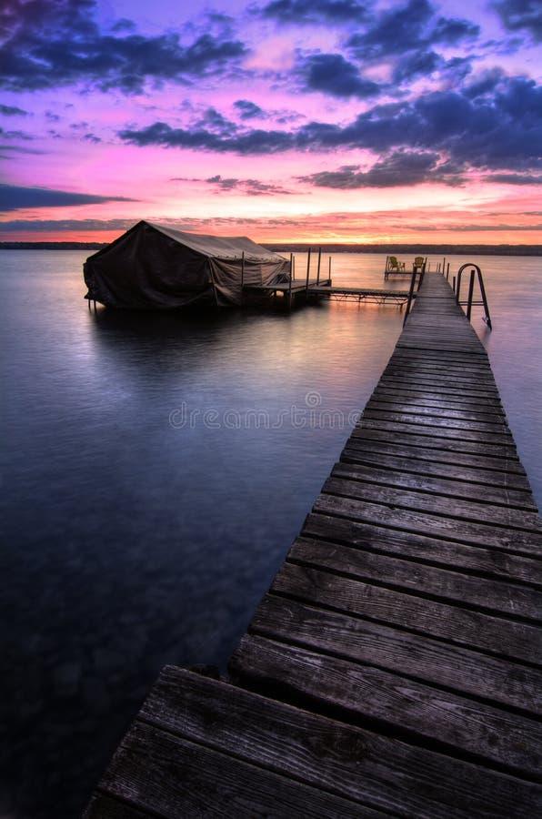 Lever de soleil de Cayuga de lac images libres de droits