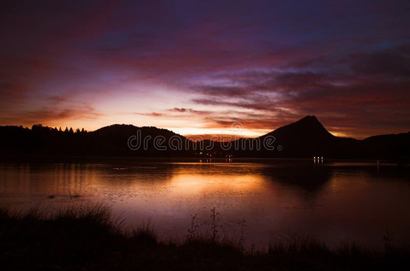 Lever de soleil de lac mountain photos stock