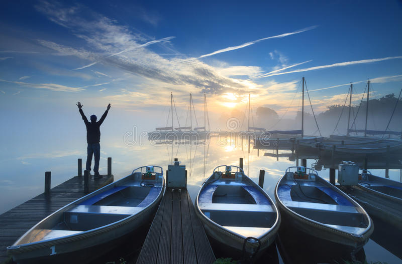 Lever de soleil de marina photographie stock libre de droits