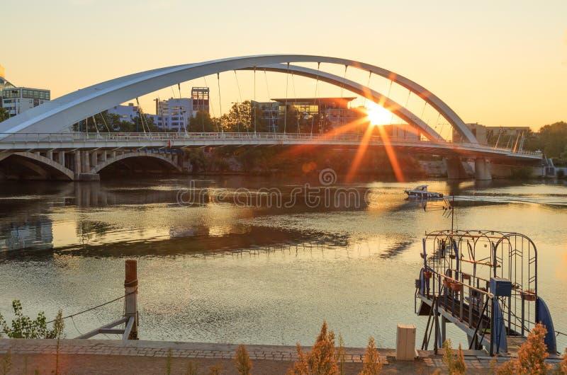 Lever de soleil du Rhône image libre de droits