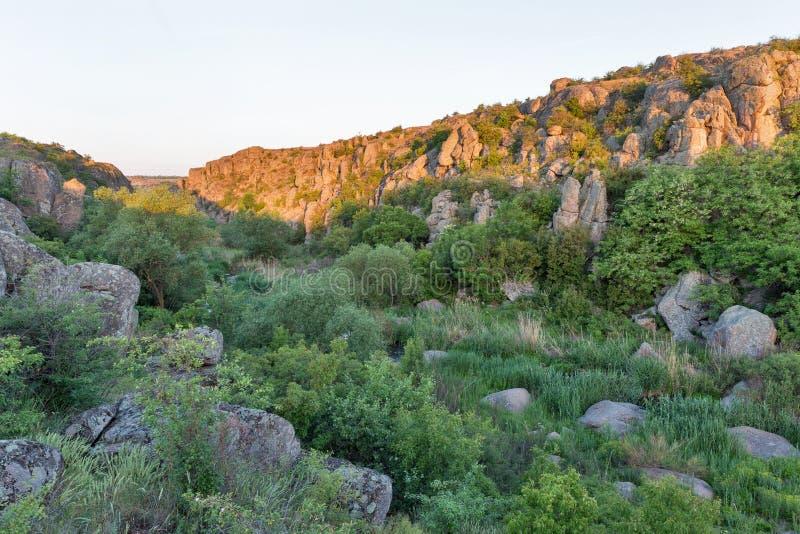 Lever de soleil en canyon d'Aktove photo stock