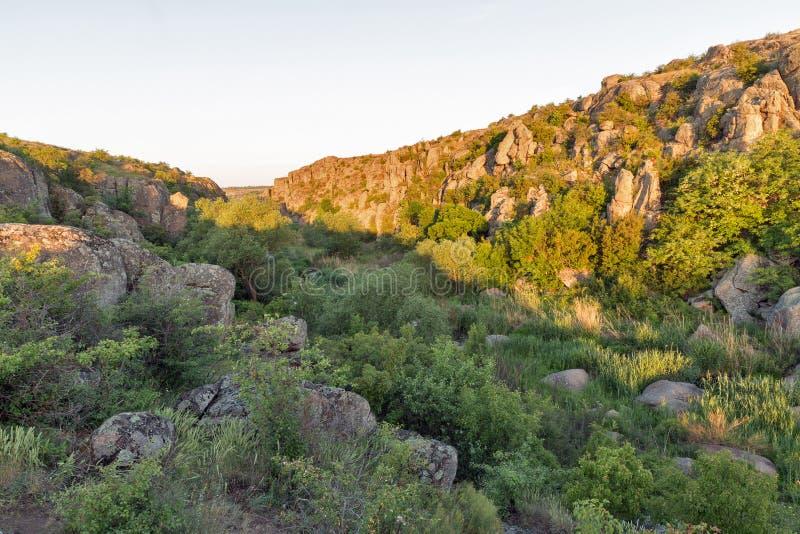 Lever de soleil en canyon d'Aktove photographie stock libre de droits