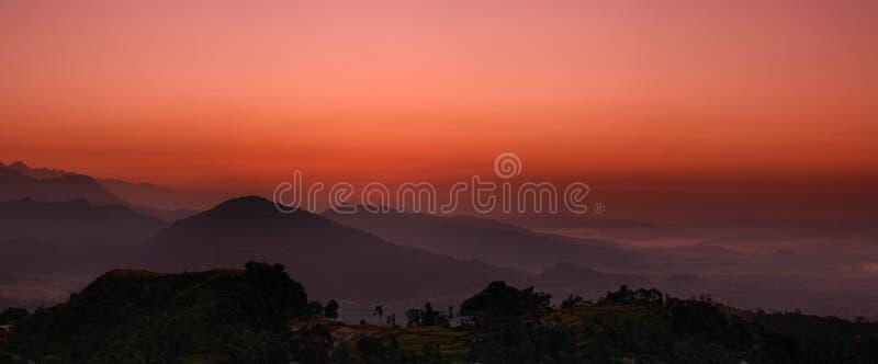 Lever de soleil en Himalaya image libre de droits