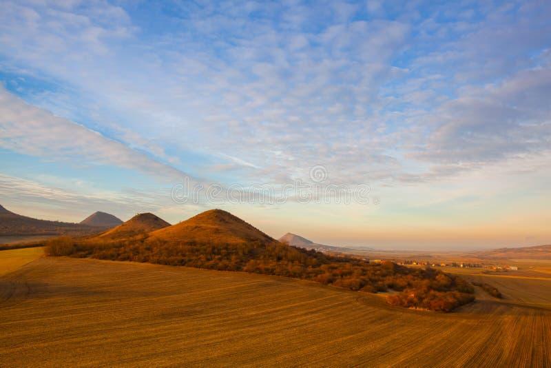 Lever de soleil en montagnes de Boh?me centrales, R?publique Tch?que photographie stock libre de droits