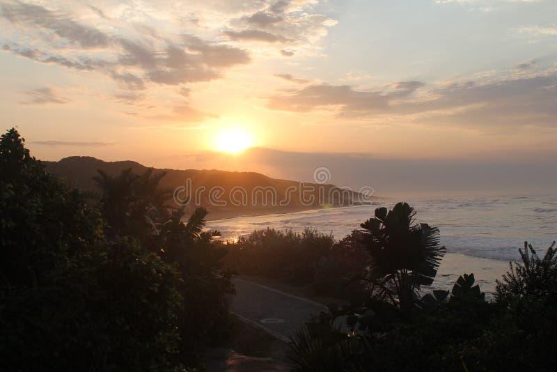 Lever de soleil en Morgan Bay Eastern Cape South Afrique image libre de droits