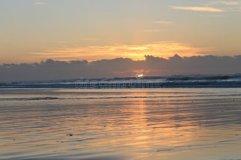 Lever de soleil en Morgan Bay Eastern Cape South Afrique photo libre de droits