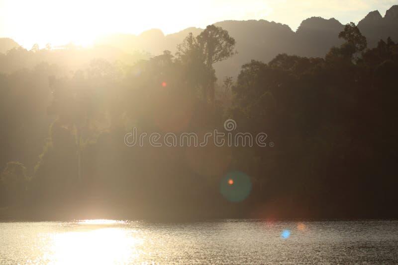 Lever de soleil en Pang Ung Maehongson Thailand image stock