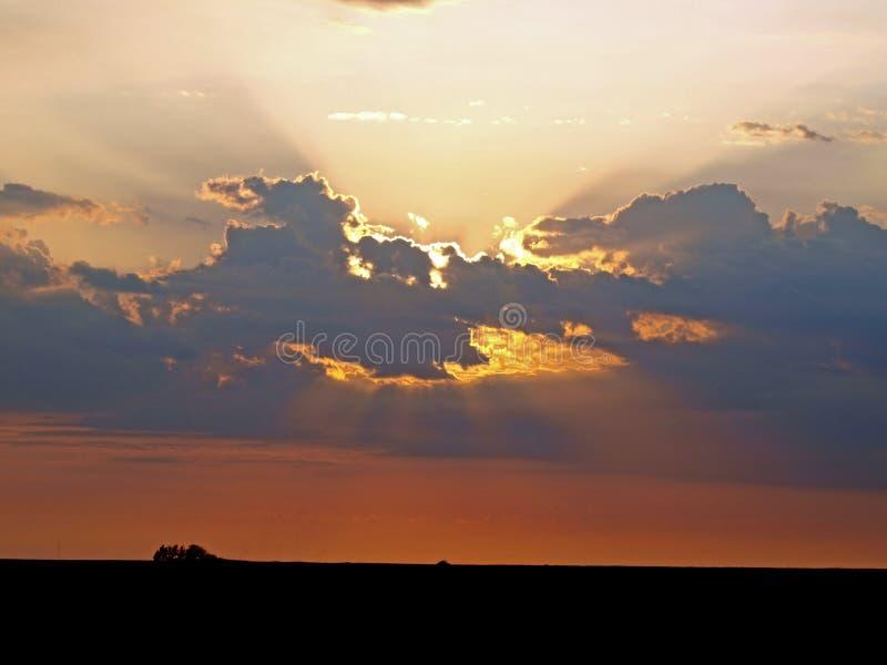 Lever de soleil et rayons de soleil de l'Oklahoma images stock