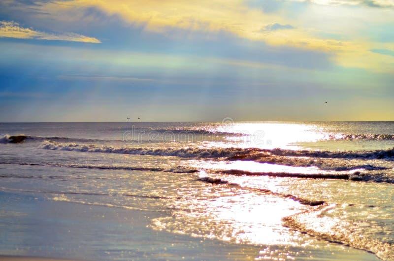 Lever de soleil de marée de plage sur Hilton Head Island photos stock