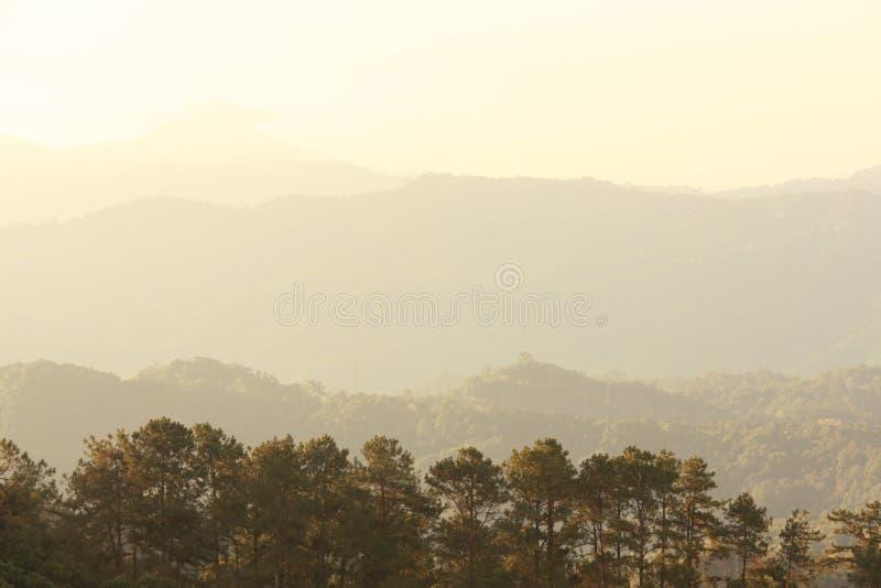 Lever de soleil numérique de montagnes de dang de Huai puis photo libre de droits