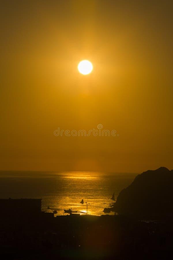 Lever de soleil par les paumes VII photo libre de droits