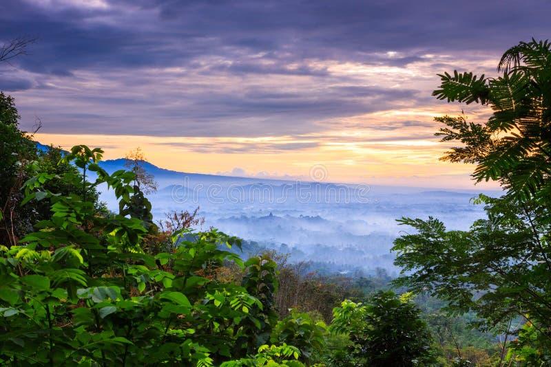 Lever de soleil Punthun Setumbu photo libre de droits