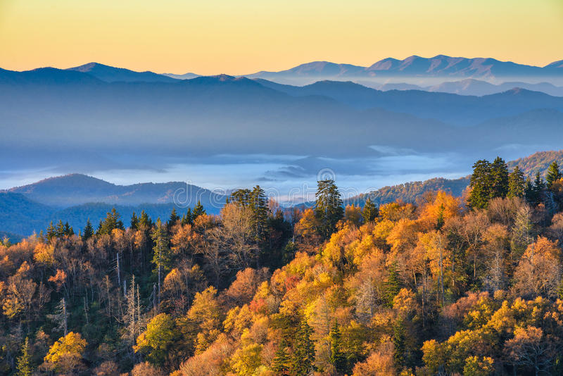 Lever de soleil scénique, couleurs de chute, Great Smoky Mountains photographie stock