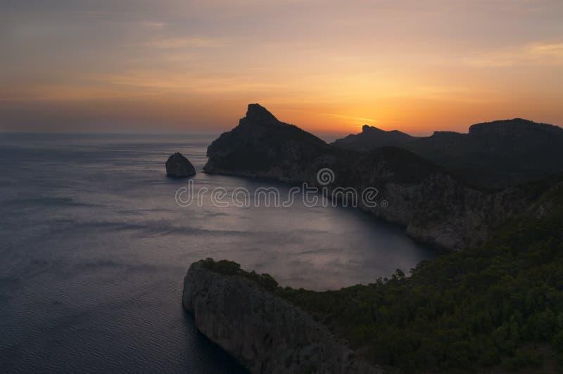 Lever de soleil sur l'île photos libres de droits