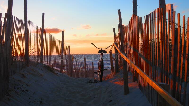 Lever de soleil sur l'île de Long Beach, NJ photos stock