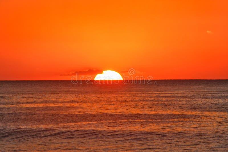 Lever de soleil sur l'?le de Kunashir photos libres de droits