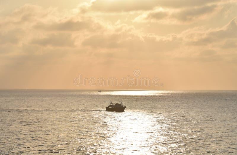Lever de soleil sur la mer, près de Port Saïd, Egypte photos stock