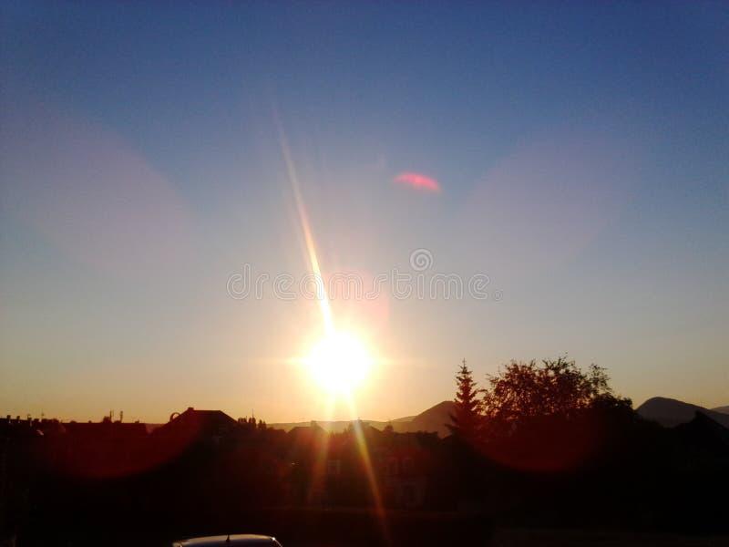 Lever de soleil sur la station photo libre de droits