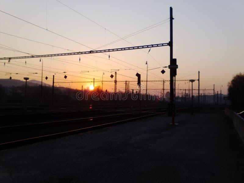 Lever de soleil sur la station photographie stock