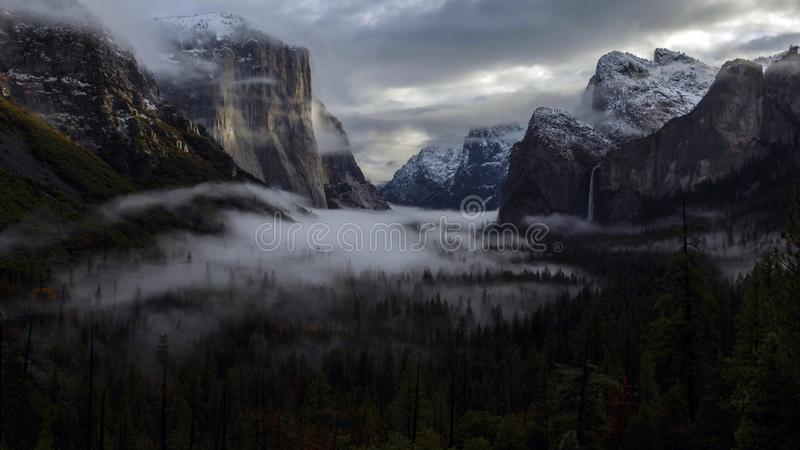 Lever de soleil sur la vallée de Yosemite, parc national de Yosemite, la Californie images libres de droits