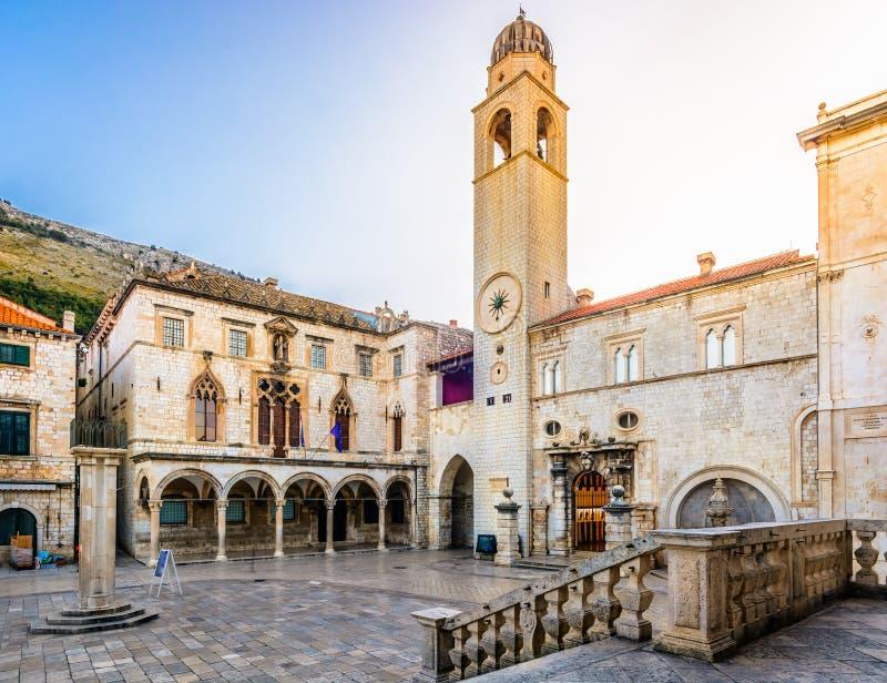 Lever de soleil sur le centre de la ville de Dubrovnik photographie stock